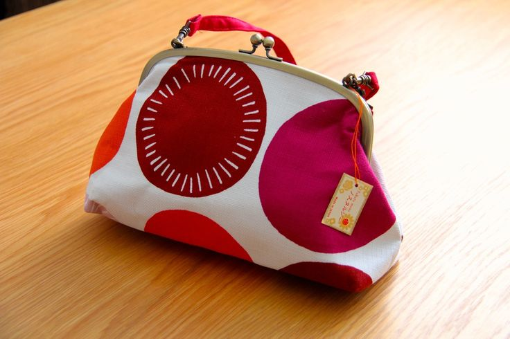 Add reds to the surrounding yellows and oranges this season! #japanese #design #bags http://www.j-accessories.com/large-purse.html