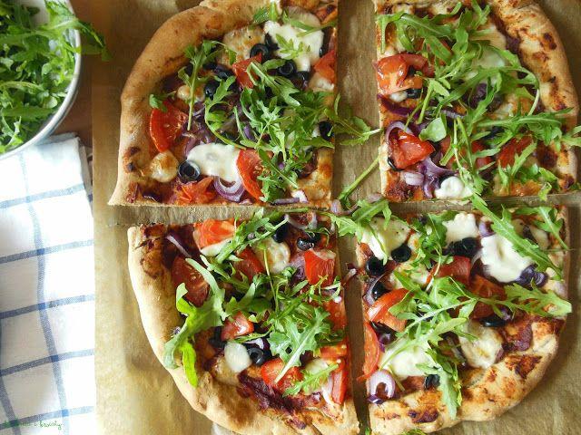 Kuchnia i Kwiaty: Pizza (idealna) z mąki pełnoziarnistej, czyli uśpione sumienie.