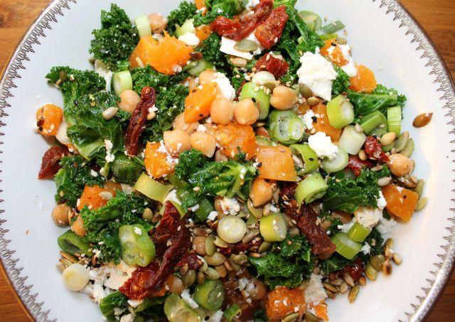 Lun grønnkål, gresskar og kikert salat