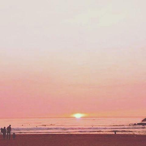 【seaofkyoto925】さんのInstagramをピンしています。 《中島美嘉がプロポーズされた海 日本夕日百選/夕日ヶ浦海岸/夕日ヶ浦温泉 #夕日ヶ浦 #sanset #京丹後 #海の京都 #丹後 #京都 #空 #海 #sea #kyoto #kyotojapan #ファインダー越しの私の世界 #写真好きな人と繋がりたい #coregraphy # #photography #photo #photographer #japan #beautiful #夕日が綺麗 #welcome_kitakyoto #夕焼けハンター #surfing #wp_japan #sunsetsky #夕日 #instagram #instagood #love #sky》