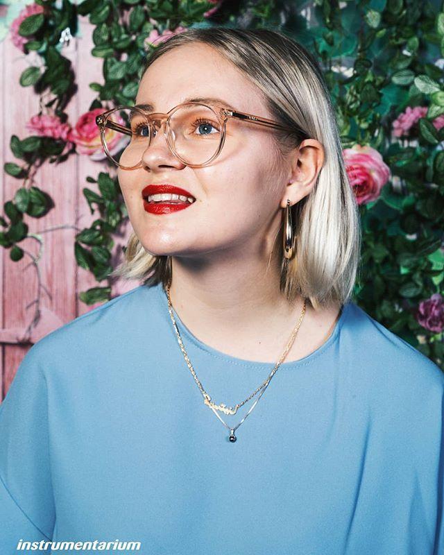 Oh My nää lasit!! Kenen muun mielestä me ollaan meant to be?  Blogissa mun suosikki silmälasitrendit ja lisää kuvia by @jereviinikainen ja pakko sanoa että nää voi olla yhdet kivoimmista kuvista mitä musta on otettu  [Julkaisu yhteistyössä @instrumentarium kanssa] #instrumentarium #instrutrendwalk #fashionstatement #kaupallinenyhteistyö . . . . . . . . . . #glassesgirl #nerdlook #whatiwore #IBA2018 #inspirationweekend #nouwblogger #nouwinfluencer #nouwfinland #nouwoutfit #chiquelle…