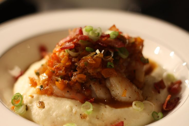 Spicy shrimp, smoky bacon, creamy grits, and scallions.  Had this for lunch Thursday.  NOLA, I salute you.