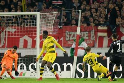Stuttgart 2 Borussia Dortmund 1: Bosz pressure builds after more Burki mishaps Another poor display from goalkeeper Roman Burki saw Borussia Dortmund slip to a third Bundesliga defeat in a row as they went down 2-1 at Stuttgart on Friday. www.infini88.com