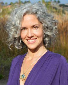 Sara Davis-Eisenman. Gorgeous silver curls, great smile - lovely! #ageless…