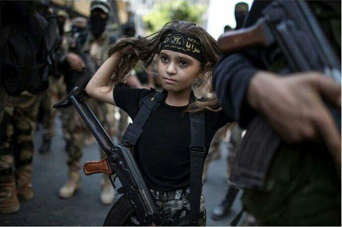 Une combatante en Syrie de 9 ans