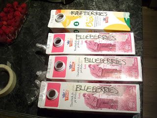 Berry-stock: reuse empty milk-cartons to easily keep your different berries organised in the freezer.