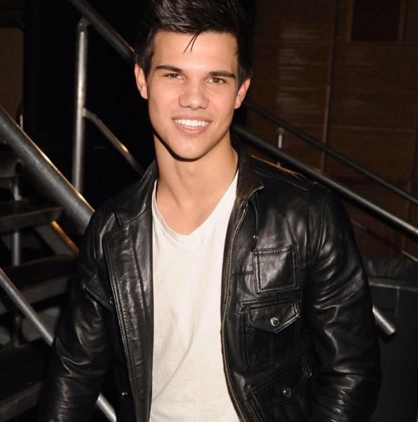 Taylor Lautner (instag... Taylor Lautner Instagram