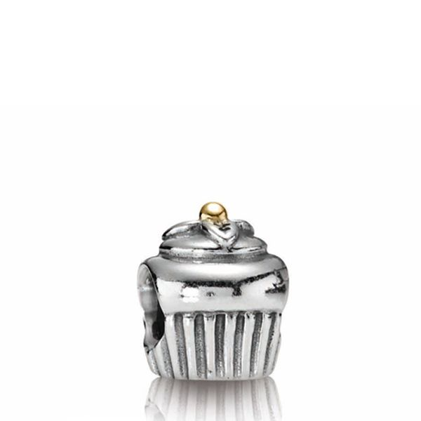 Pandora Cupcake Charm... So sweet! Reminds me of my Claire bear's 1st birthday!