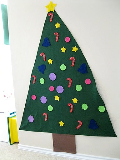 Felt Christmas Tree for toddlers!
