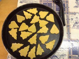 Di tutto e di più sulla Sardegna di Giurtalia e tanto altro ancora.: Facciamo insieme i biscotti sardi cotti al microon...