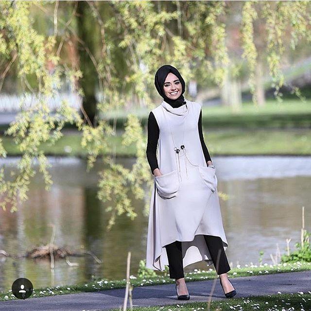 Sevgili @hulyaslan kombiniyle #baqa jilemiz 36-38 beden ☎️sipariş için whatsapp 0539 589 4948  #afrabutik #butikfra #çukurambar #butik #tesettür #baqa #baqastudio #almarwah #kuaybegider #moodbasic #mimya #noitriko #qooq #qooqstore #hldtriko