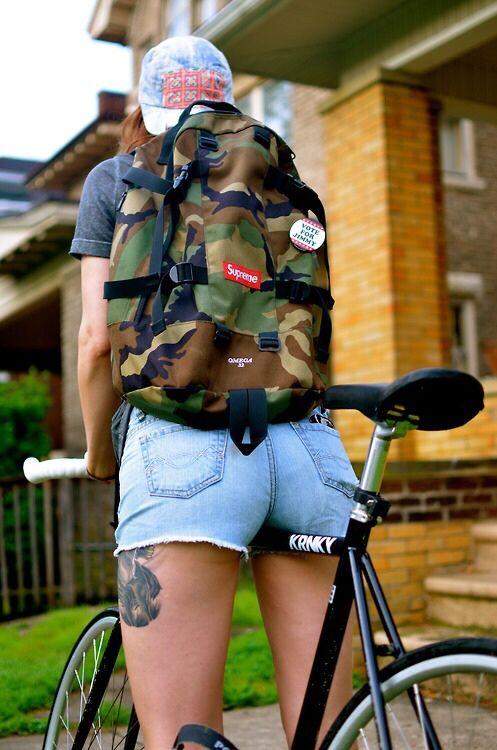 Nice ride  #bikes #bicycle #roadbike #fixie #fashion #girl