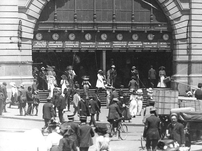 Old Melbourne Days: Flinders Street