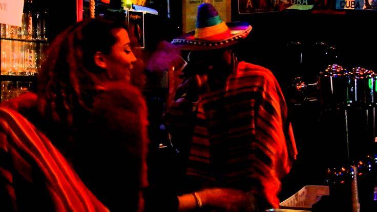 Mi amor es tuyo Anniversaire de Margot Casa Latina Tainos Live (Bordeaux... Mi amor es tuyo Anniversaire de Margot Casa Latina Tainos Live #Bordeaux http://youtu.be/x4A7y6bEYZk #bar #discothèque #concert #tapas #mojito