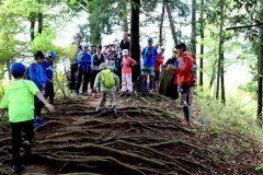 マラソンの強化に役立つトレイルランニング トレイルランニングの第一人者鏑木毅氏を講師に迎えたTHE NORTH FACE KIDS NATURE SCHOOL 親子で楽しく学べるトレイルランニングのイベントが2017年5月28日日に開催されます 緩やかなハイキングコースを使用した8km程度のトレイルランニングです  THE NORTH FACE Family Trail Running 開催日2017年5月28日日 9時集合 会場青梅丘陵東京都青梅市 定員15家族30名 参加費大人6000円 子ども4000円 対象小学校3年生6年生のお子様とその保護者 小学校低学年は要相談 集合解散集合青梅駅 解散軍畑駅 tags[東京都]
