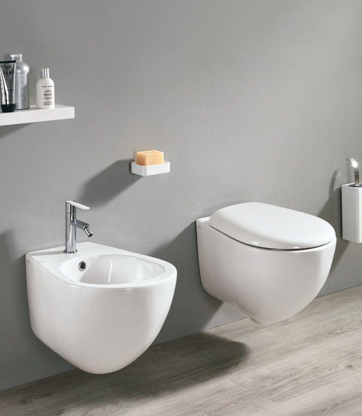 #Eban #sanitari sospesi e coprivaso Fly | su #casaebagno.it | #composiozioni #mobili #bagno #arredamento #design