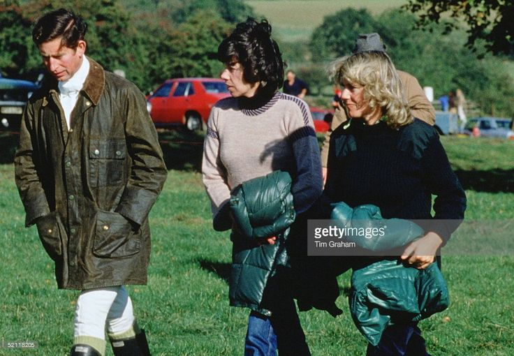Prince Charles And Camilla Parker-bowles Walking With Their Friend Lady Sarah Keswick In 1979 - Special Fee Applies