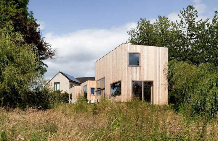 14 FACADES' HOUSE / a project bym-architecture & V.O. studio. @bepictures  From: http://www.platformgreen.org
