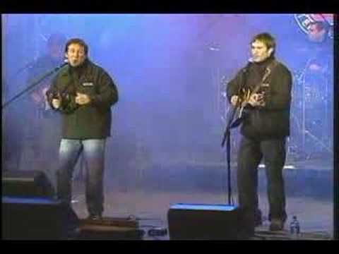UPHILL BATTLE (live) - From Sons of Maxwell's ECMA Award winning album Sunday Morning.   http://www.davecarrollstore.com/products/Uphill-Battle-%28MP3-Single%29.html