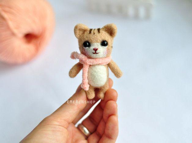 Cats on DaWanda Sculptures – Needle felted cat - Needle felting cat - Handmade – a unique product by EMERENshop on DaWanda