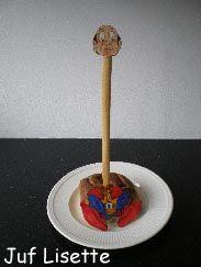 Een kleurplaat, krentenbol en soepstengel en je hebt Langnek uit de Efteling!