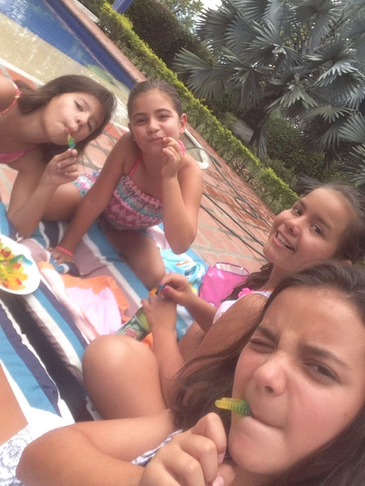 My friends from colombia Mis amigas de colombia