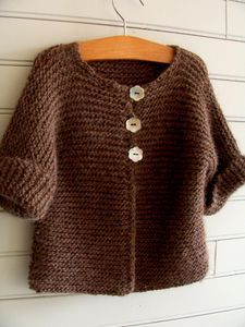 Gilet au point mousse réalisé d'après le tuto de Mamoizelle K et tricoté en alpaga double brun chiné