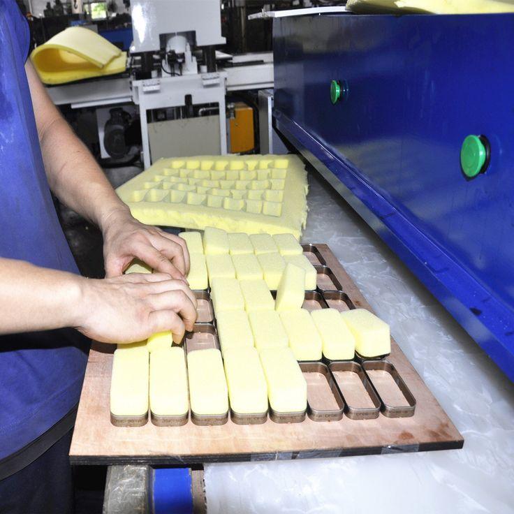 vertical hydraulic polyurethane foam cutting machine