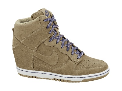 Just when I thought I was SO OVER this look... Nike Dunk Sky Hi Women's Shoe. I NEED them now.