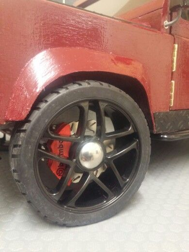 Hand made land rover defender, stunning 10 spoke rims with brembo calipers with custom disc brakes