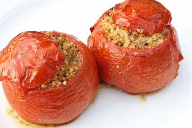 Υλικά: 6 τμχ ντομάτες για γεμιστά200 γρ πλιγ&o...