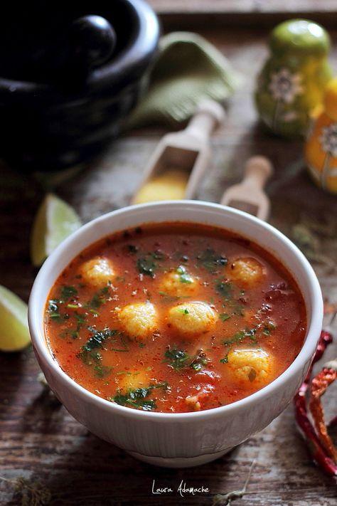 supa mexicana de rosii cu galuste de malai