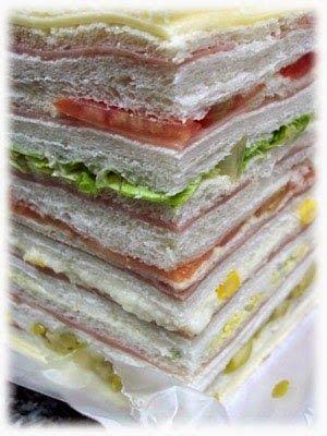 Cómo hacer los Sandwiches de Miga Argentinos con rellenos variados simples y triples. Receta con fotos, sugerencias y consejos paso a paso.