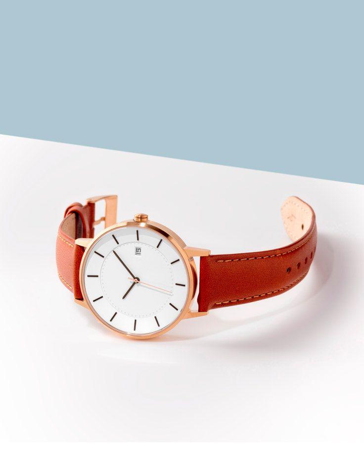 Shop minimalist watches by Norwegian design studio LINJER.