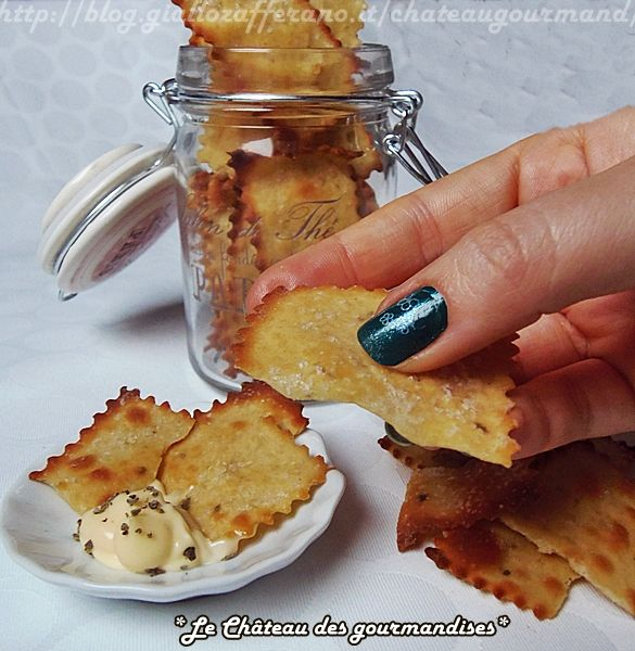 Crackers con farina di ceci e rosmarino