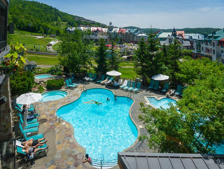 The relaxing pool of our hotel, the Fairmont Mont Tremblant.