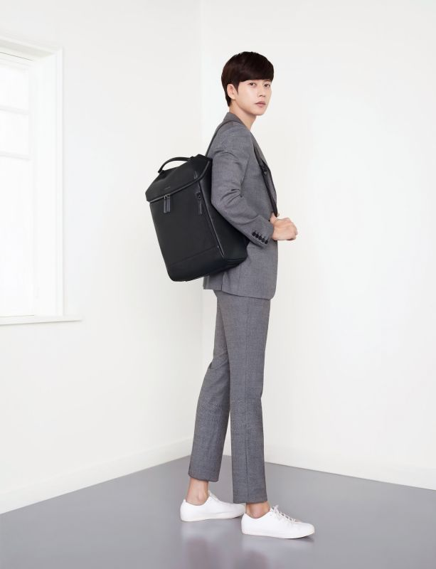Park Hae Jin will make spring look more fantastic as BEANPOLE ACCESSORY's new ads featuring the Cheese in the Trap lead will be seen all over.       Source  |  Park Hae Jin DCI…
