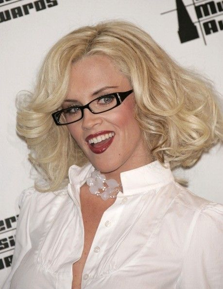 Davis Vision - Jenny McCarthy looks gorgeous in her black-rimmed #specs. #eyeglasses