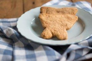 Eindelijk is het me gelukt om een (lekkere) Paleo variant op Oer-Hollandse zandkoekjes te bakken! Lekker bros en knapperig. En je kunt er nog fantastisch vormpjes uit steken ook. Leuk om samen met je kinderen…