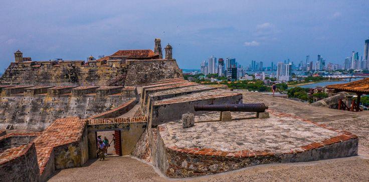 Cartagena er med sin unike gamleby en av Sør-Amerikas mest populære destinasjoner. Men byens historie er både mørk og dramatisk.