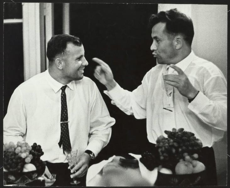 Юрий Гагарин и Павел Попович