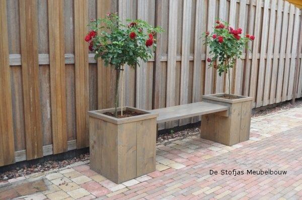 Steigerhouten plantenbak Buxus als bankje eindresultaat