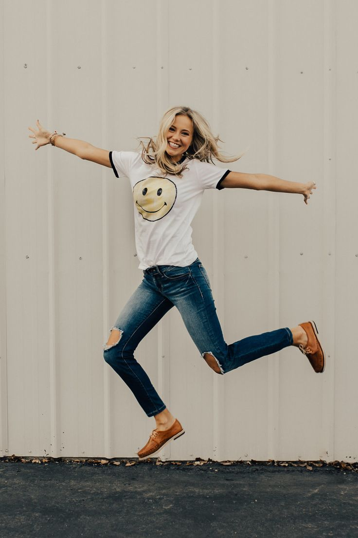 Retro Smile Tee | ROOLEE ღ | Awesome fashion clothes for stylish women from Zefinka.