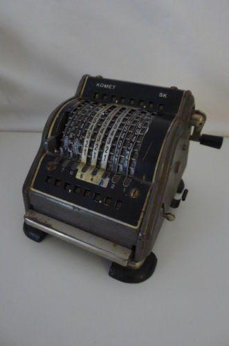 A034-Caisse-enregistreuse-calculatrice-calculette