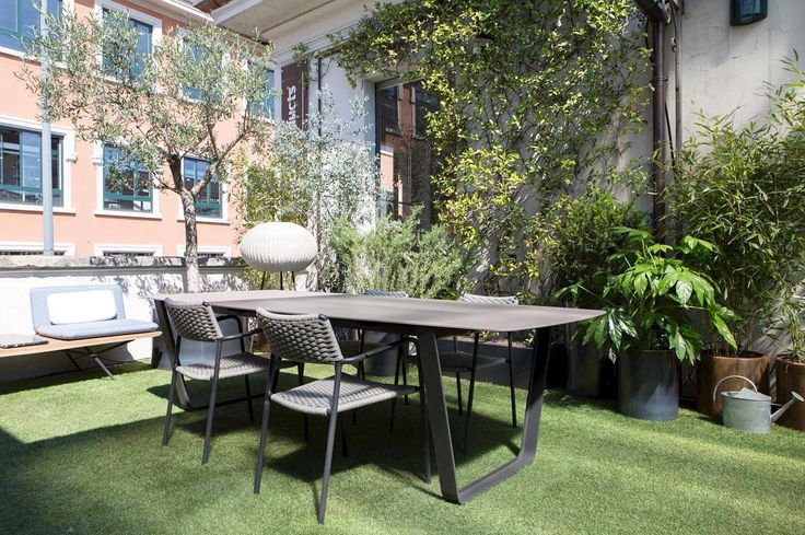 A terrace perfect for chilling out and why not have a work meeting! Do you agree? . Outdoor furniture by @ manutti Lighting by @bover Vases by @martindesignita . #The DesignExperienceA terrace perfect for chilling out and why not have a work meeting! Do you agree? . Outdoor furniture by @manuttioutdoor Lighting by @boverbarcelona Vases by @martindesignita . #The DesignExperience  #milandesignweek #mdw17 #viatortona #fuorisalone2017 #tortonadesignweek #manutti #bover #lmartindesign #design…