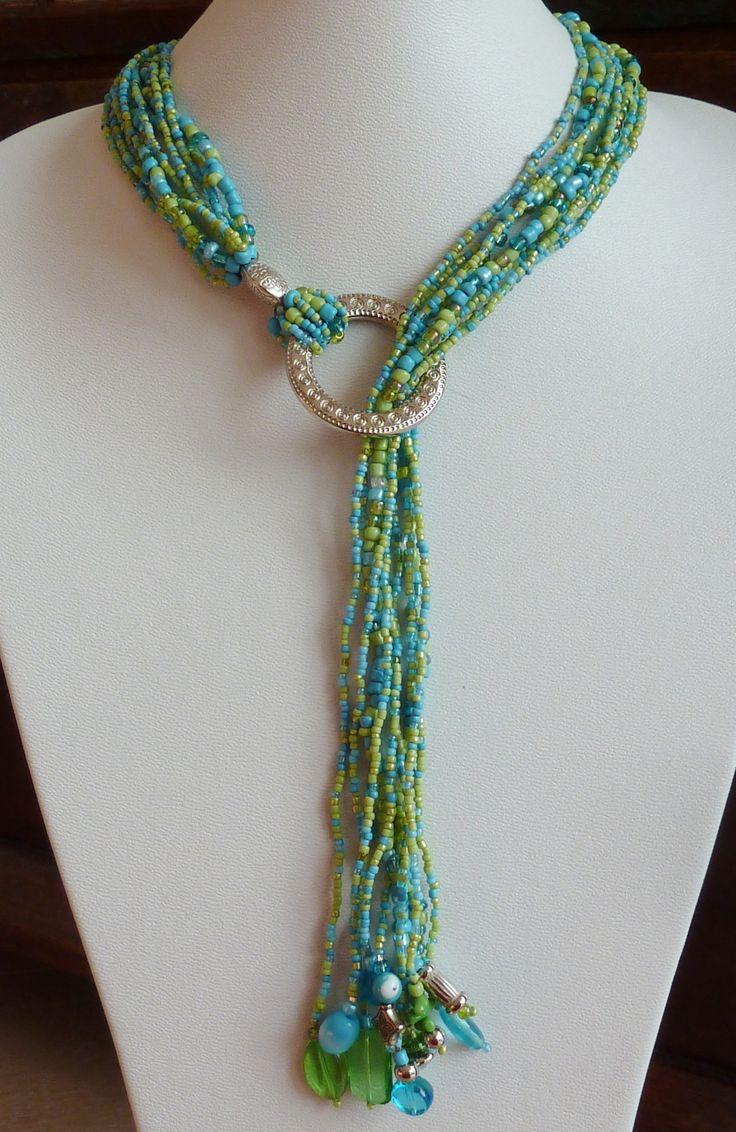 Collier Fantaisie OCé Sharon, Cascade de Perles de verre et Anneau. Turquoise and green Glass beads necklace