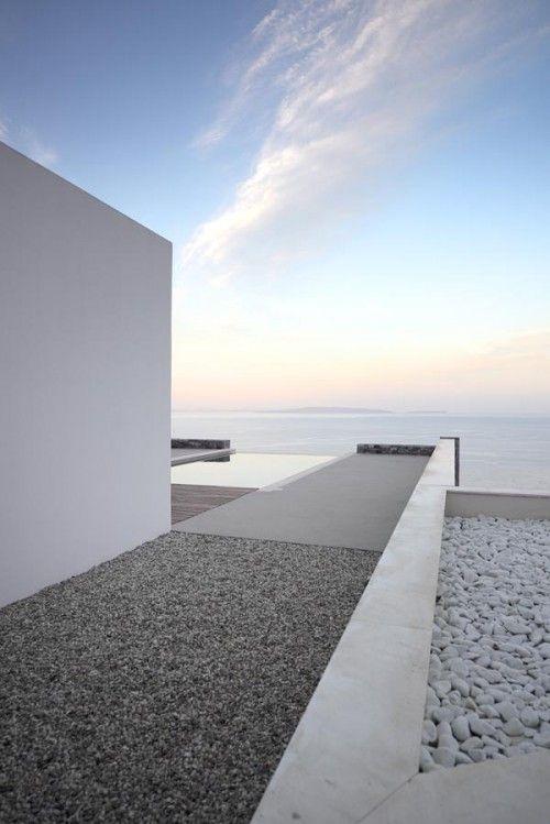Villa Melana by Panos Papassotiriou & Valia Foufa - The Greek Foundation