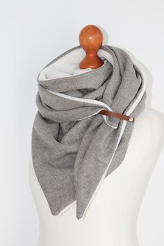 Dreieckstücher - Wolltuch, Dreieckstuch MELANGE - ein Designerstück von duftesachen-berlin bei DaWanda