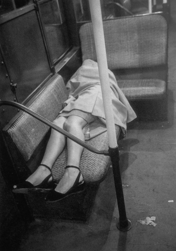 Sleeping woman. Subway studies, New York, 1946. Photo: Stanley Kubrick.
