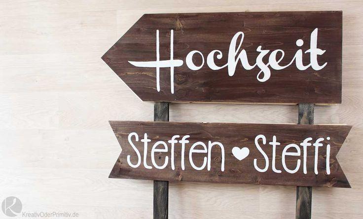 Wegweiser zur Hochzeit vintage rustikal Holz lasieren weiß beschriften Anleitung Vorlage Muster selber machen basteln DIY Geschenk Überraschung Gäste Braut Bräutigam Trauzeugen